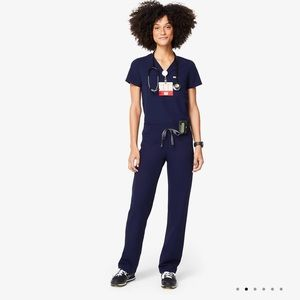 FIGS SCRUBS- 2 tops 2 bottoms (can split up)
